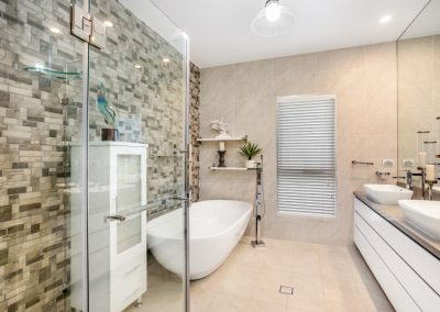 Beautiful Modern Bathroom - New Home Builders Illawarra - Builders Illawarra