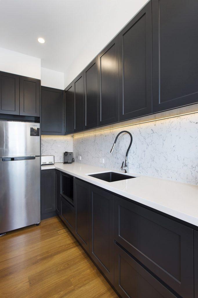 Stylish Black & White Kitchen – New Home Builders Illawarra – Builders Illawarra