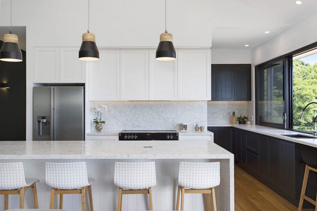 Modern Kitchen With Breakfast Bar – New Home Builders Illawarra – Builders Illawarra